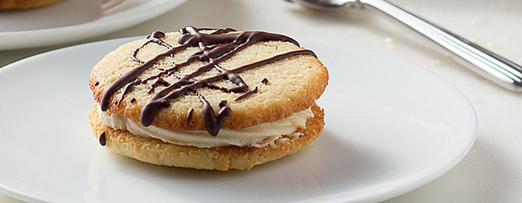 Gevulde koeken met amandel & sesam