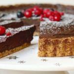 Avocado chocolademousse taart Sukrin Suikervervangers Iris Uffen