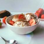 koolhydraatarm ijs strawberry cheesecakeijs - sukrin suikervervangers - clubslank